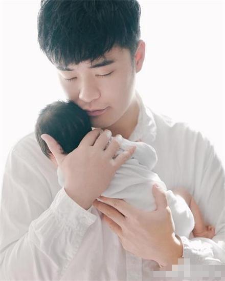 宝宝 壁纸 孩子 小孩 婴儿 440_548 竖版 竖屏 手机