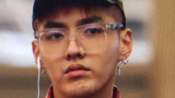 吴亦凡机场素颜满脸邋遢 网友感叹男明星素颜也差这么